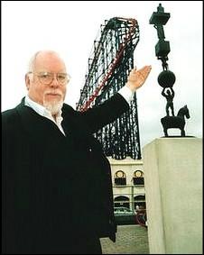 著名雕塑家布莱克爵士