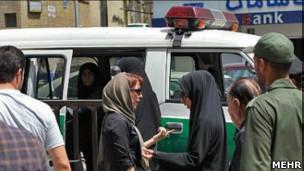 دستگیری زنان به اتهام بدحجابی