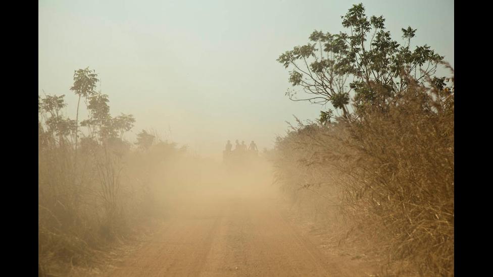http://wscdn.bbc.co.uk/worldservice/assets/images/2012/02/23/120223130910_land_photo_09.jpg