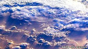 Imagen de nubes captada por uno de los instrumentos de la sonda Terra de la NASA