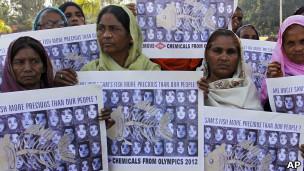 Víctimas en Bhopal manifiestan contra Dow Chemical