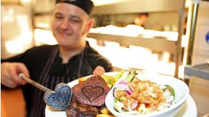 卢顿一家餐馆特别推出求婚牛扒