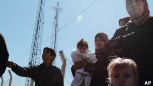 Sírios acusam soldados de execuções sumárias