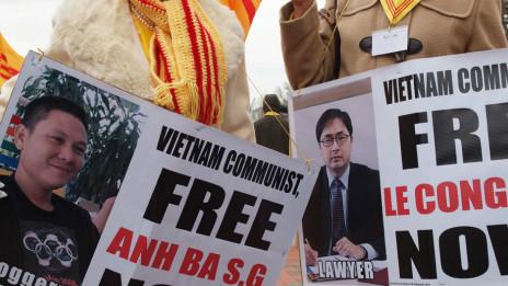 Biề̉u tình vì nhân quyền-dân chủ Việt Nam ở Mỹ