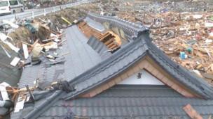 EIS QUE O FIM ESTA PROXIMO, MAS HOJE VOCE PODE MUDAR A HISTORIA DA SUA VIDA  (PARTE 3) 120310152010_jaan_tsunami_1year_304x171_bbc_nocredit