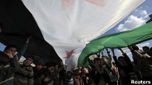 Protesto contra Assad em Idlib | Foto: Reuters
