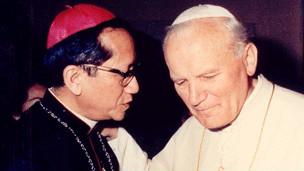Giáo hoàng John Paul II bổ nhiệm Tổng Giám mục Nguyễn Văn Thuận làm chủ tịch Hội Đồng Giáo Hoàng Công Lý và Hòa Bình