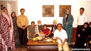 کروبی و خانواده - عکس آرشیوی