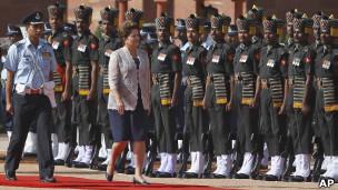 A presidente Dilma Rousseff em visita à Índia (Foto: AP)