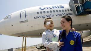 Chương trình mổ mắt của Bệnh viện Mắt di động ORBIS