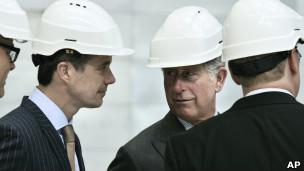 Príncipe Charles, da Grã-Bretanha, visita usina de biomassa na Dinamarca