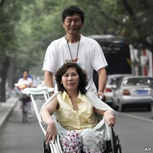 倪玉兰和董继勤夫妇(30/06/2010)