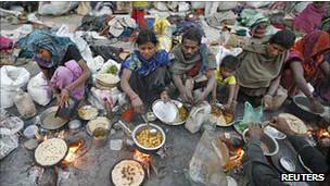 生活在贫困线下的印度人