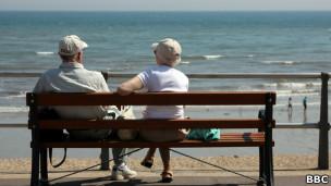 Casal de idosos.   Foto: BBC