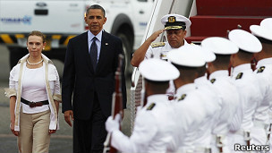 Obama a su llegada a Cartagena