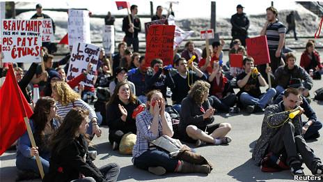 معترضان به افزایش شهریه دانشگاهها در استان کبک کانادا