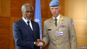 Kofi Annan akimpa mkono Jenerali Mood