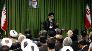 نمایندگان مجلس و رهبر ایران