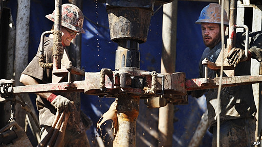 trabajadores de campo petrolero en Kansas