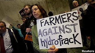 manifestantes aanti-fracking en Nueva York
