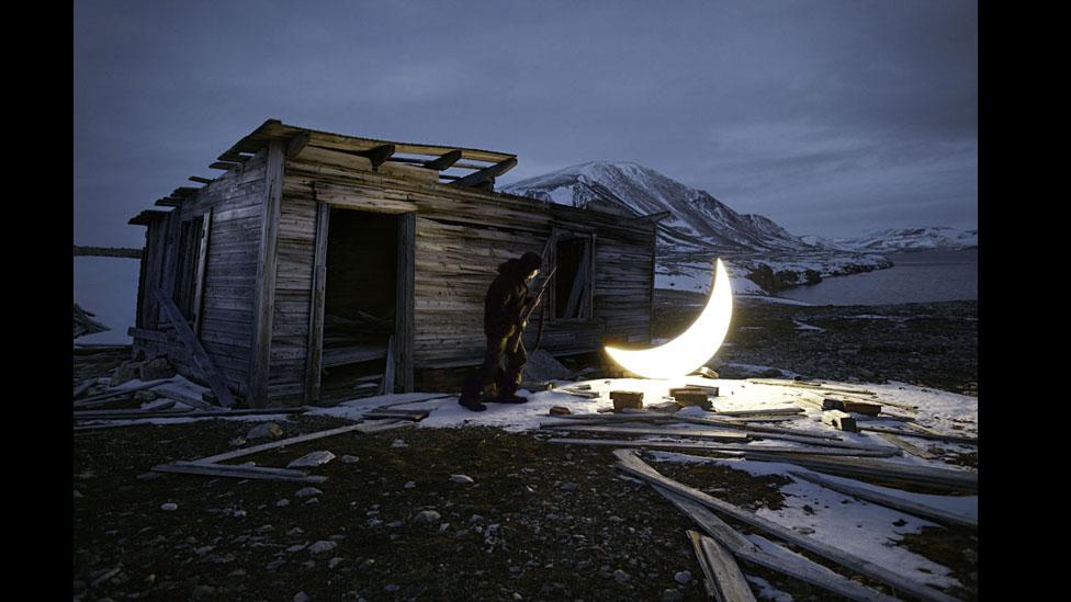 A la luz de la luna. - Página 3 120503234512_moon_artico_1