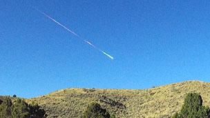 Moradora conseguiu fazer foto do meteorito enquanto passeava com o cachorro (BBC)