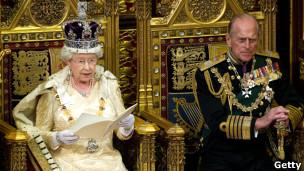 La reina Isabel II y el príncipe de Edimburgo