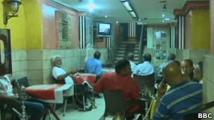 قهوه خانه مصری هنگام پخش مناظره