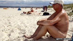 Alemania, unida por la desnudez, dividida por la actitud