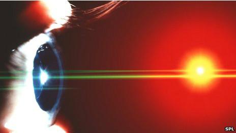 Bionic Eye Bantu Orang Buta Untuk Melihat