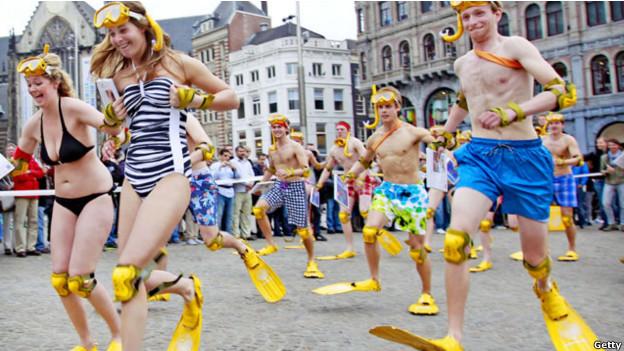 Cuộc chạy đua đi chân nhái toàn quốc tại Amsterdam, Hà Lan
