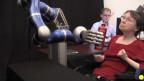 ذراع آلية تعمل باشارات المخ