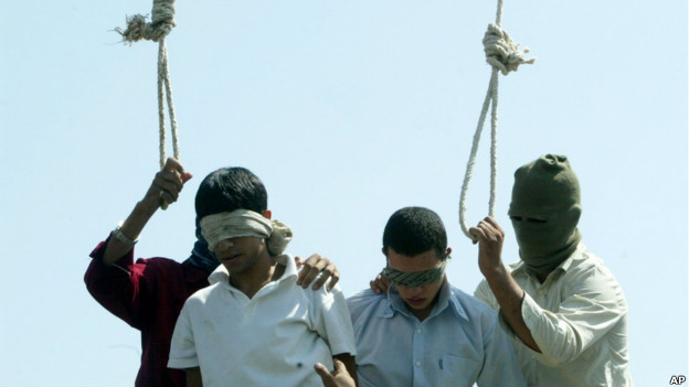 <!--:fa-->قوانین کیفری ایران، تهدیدی مضاعف برای همجنسگرایان / مریم حسینخواه – روزنامهنگار<!--:-->