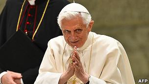 پاپ بندیکت شانزدهم، رهبر کاتولیکهای جهان