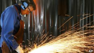 Foto de arquivo mostra fábrica na Alemanha (Foto: AP)