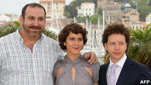 میشل فرانکو (راست) در کنار بازیگران فیلم