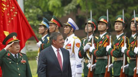 Lễ đón tiếp ông Leon Panetta tại trụ sở Bộ Quốc Phòng