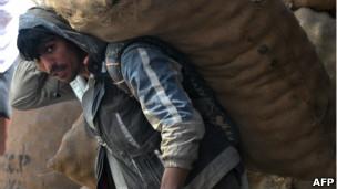 یک کارگر افغان