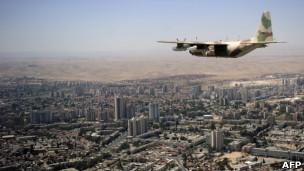 Avião de carga e reabastecimento Hércules, israelense