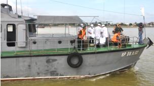 Diễn tập 'cứu ngư dân'