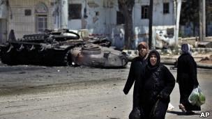 آثار اشتباكات في ضواحي ادلب