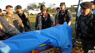 Traslado de cuerpo de policía paraguayo