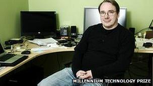 Linus Torvalds en su casa