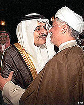 امیر نایف، وزیر کشور سابق عربستان سعودی و برادر ناتنی ملک خالد، پادشاه وقت