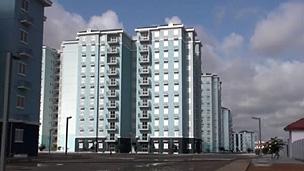 Novo bairro nos arredores de Luanda ainda está deserto (BBC)