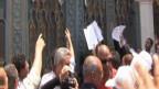 تجمعات على ابواب قصر مرسي لتقديم الشكاوى