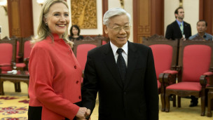 Clinton gặp Tổng bí thư Đảng Cộng sản Việt Nam Nguyễn Phú Trọng