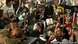 A banda 'Rimas de alto calibre' lançou primeiro CD em show.