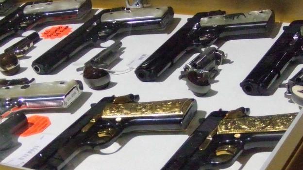Bbc mundo video y fotos en fotos la fascinaci n for Porte y tenencia de armas de fuego en republica dominicana