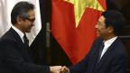 Ngoại trưởng Marty Natalegawa gặp Ngoại trưởng Phạm Bình Minh khi thăm Việt Nam hồi tháng Bẩy năm 2012
